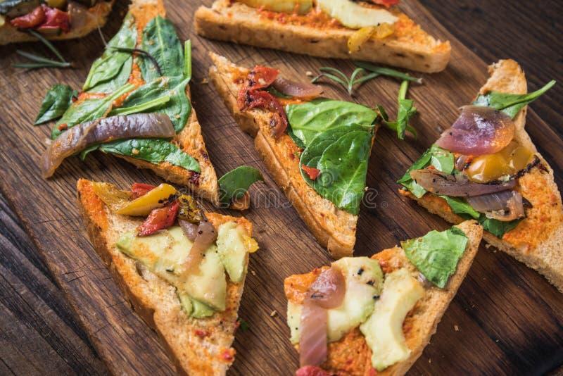 Concept suivant un régime, sandwich sain images stock