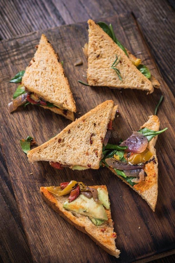 Concept suivant un régime, sandwich sain image libre de droits