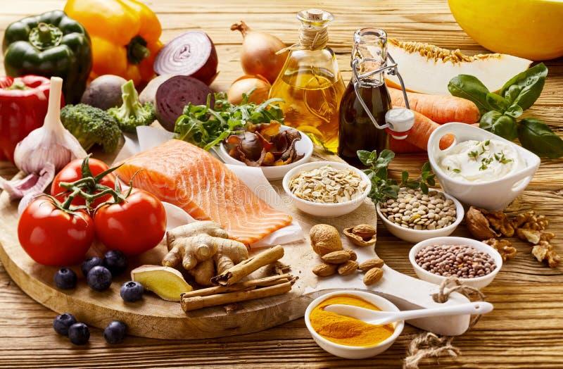Concept toujours de la vie des nourritures saines de coeur photos libres de droits