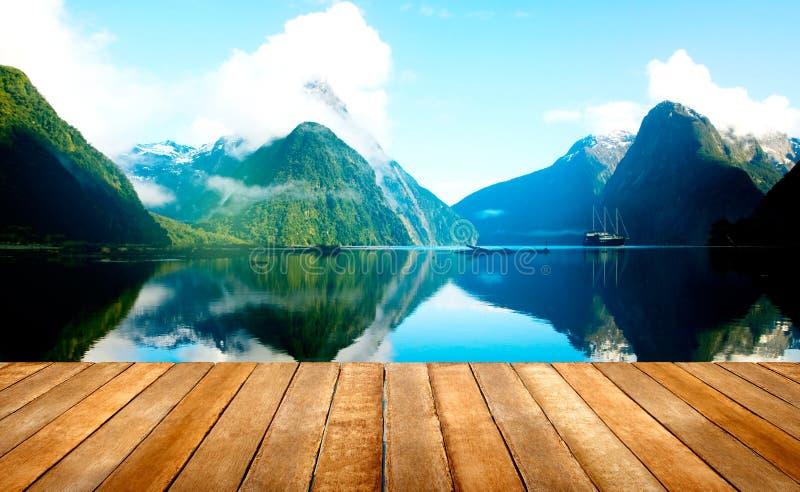 Concept van de de Reisbestemming van Milford het Correcte Nieuw Zeeland stock fotografie