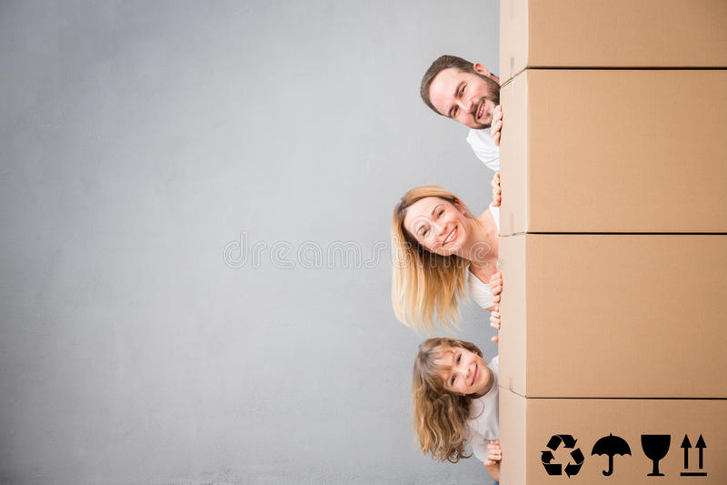Concept van het de Daghuis van het familie het Nieuwe Huis Bewegende royalty-vrije stock foto