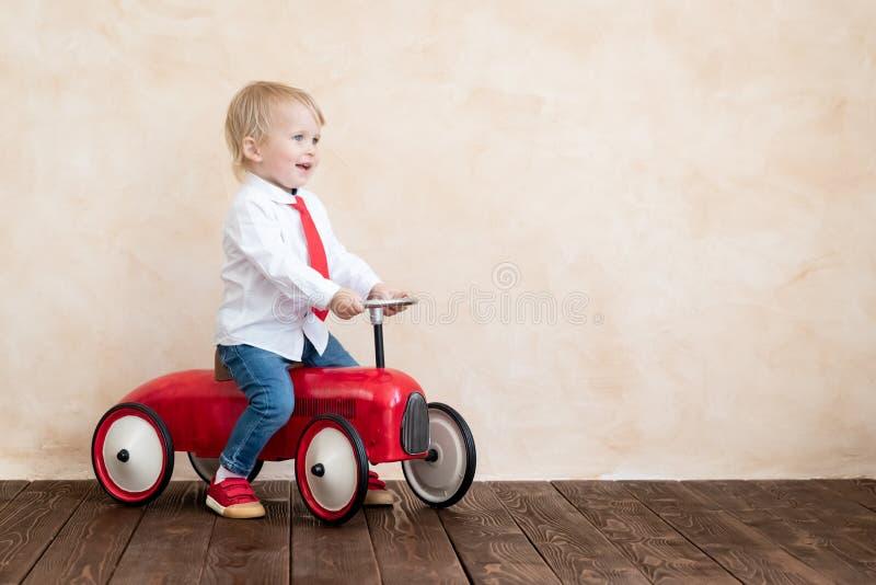 Concept van het onderwijs, het start en bedrijfsidee royalty-vrije stock foto