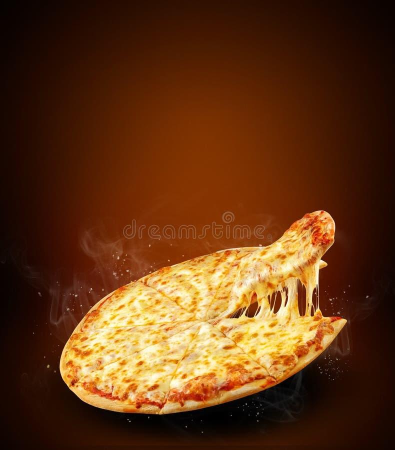 Concepten verticale promotievlieger en affiche voor pizzeria met de heerlijke pizza van smaakmargarita, mozarellakaas en exemplaa stock afbeeldingen