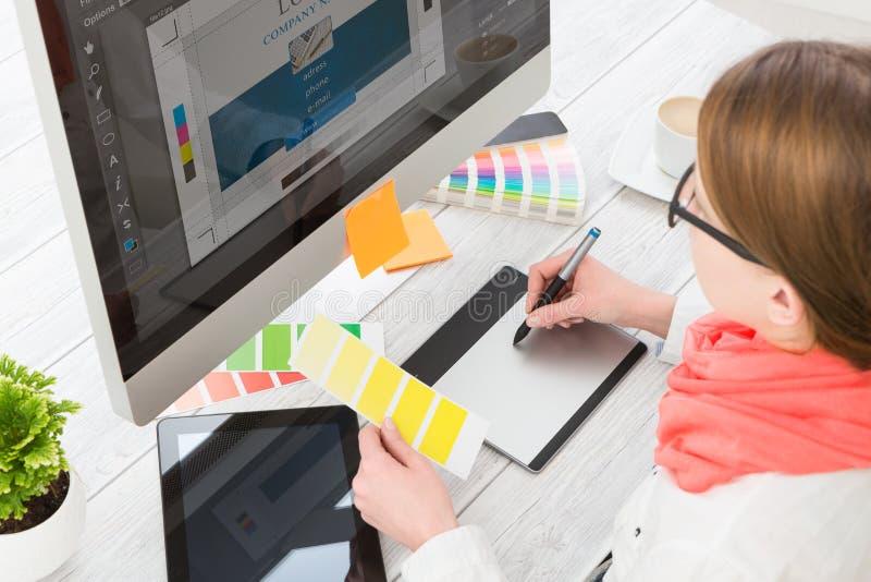 Concepteur au travail Échantillons de couleur image libre de droits