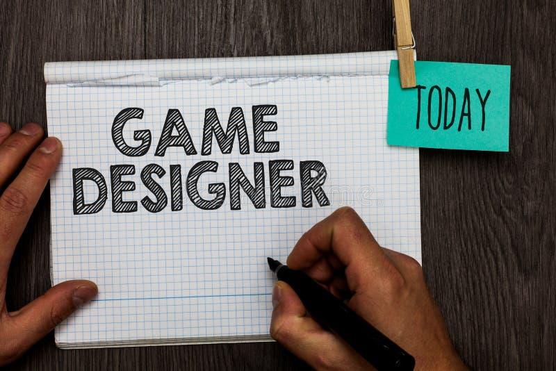 Concepteur de jeu d'écriture des textes d'écriture Les graphiques Scripting des consoles de programmeurs de pixel de militant de  photos stock