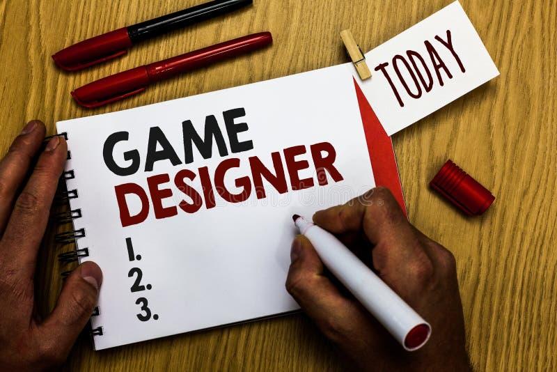 Concepteur de jeu d'écriture des textes d'écriture Les graphiques Scripting des consoles de programmeurs de pixel de militant de  image stock
