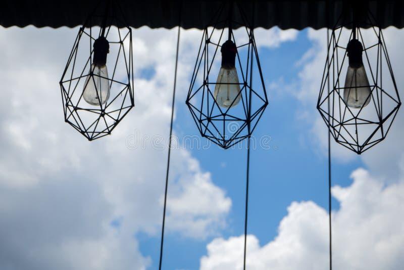 Conception accrochante de lampe dans le style de grenier photo stock