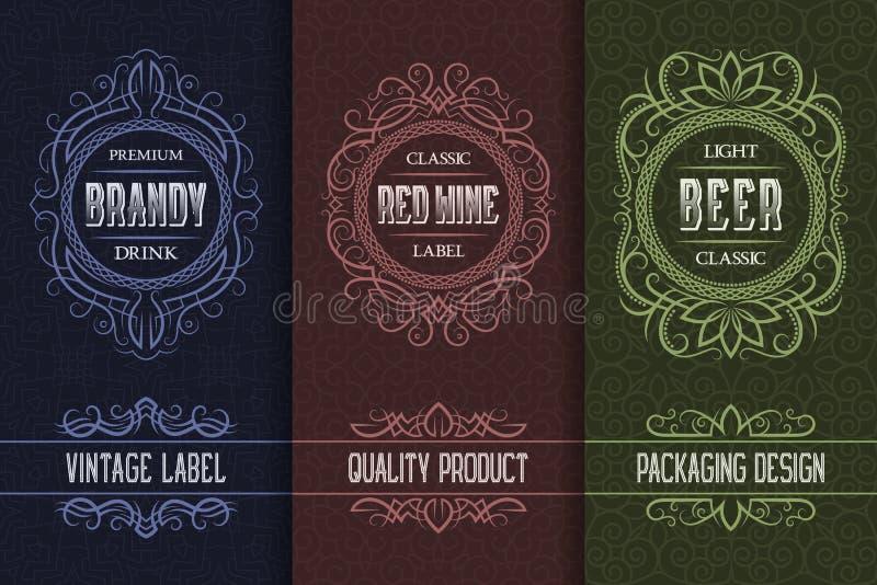 Conception d'emballage de cru réglée avec des labels de boissons d'alcool d'eau-de-vie fine, vin, bière illustration stock