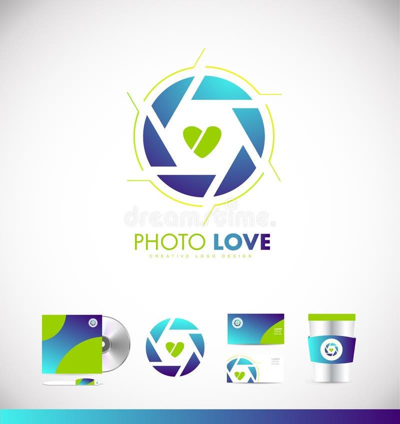 Conception d'icône de logo de coeur d'amour d'ouverture de volet de photographie illustration de vecteur