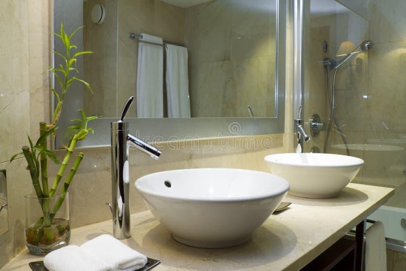 Conception d'une salle de bains photo libre de droits