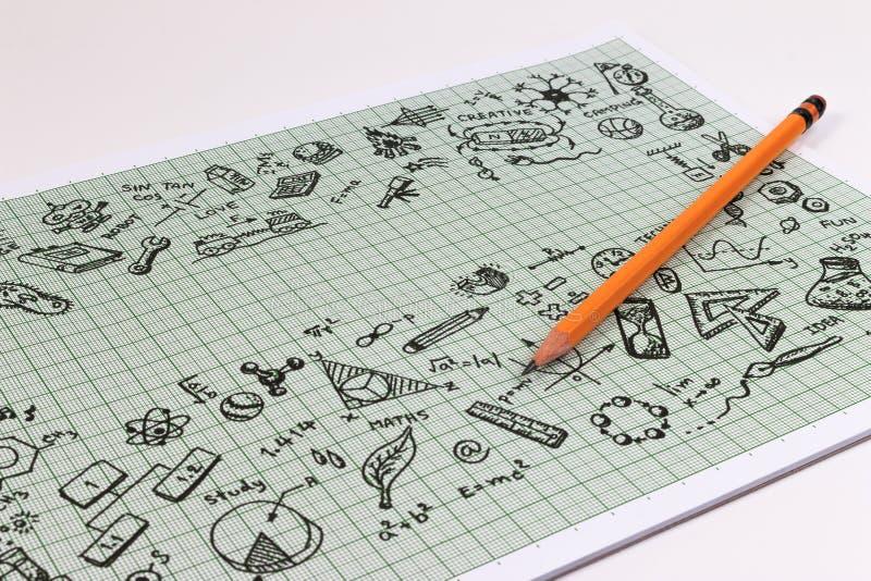 Conception de croquis d'éducation sur le carnet avec l'espace de copie Icônes de pensée de griffonnages de concept d'éducation ré image stock