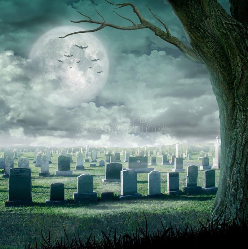 Conception de Halloween - arbre fantasmagorique Fond d'horreur avec le cimetière, et pleine lune L'espace pour votre texte de vac illustration libre de droits
