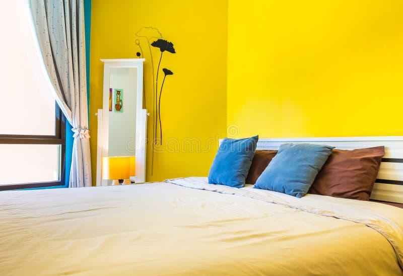 Conception intérieure : Chambre à coucher moderne, coffret de chevet image stock