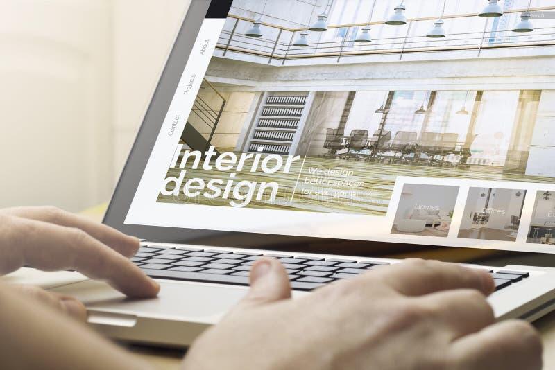 conception intérieure de calcul à la maison photo libre de droits