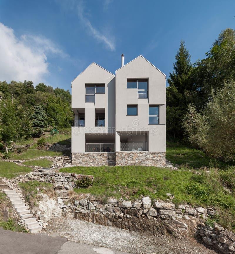 Conception moderne d'architecture, villa, scène de jour images libres de droits