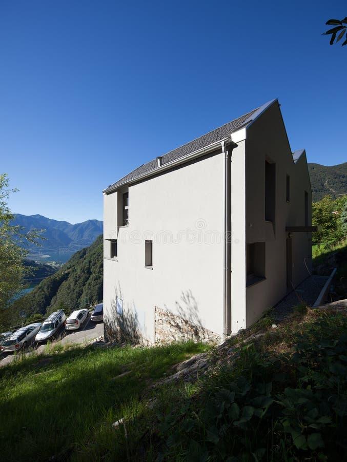 Conception moderne d'architecture, villa, scène de jour image libre de droits