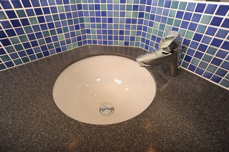 Conception moderne de lavabo photos libres de droits