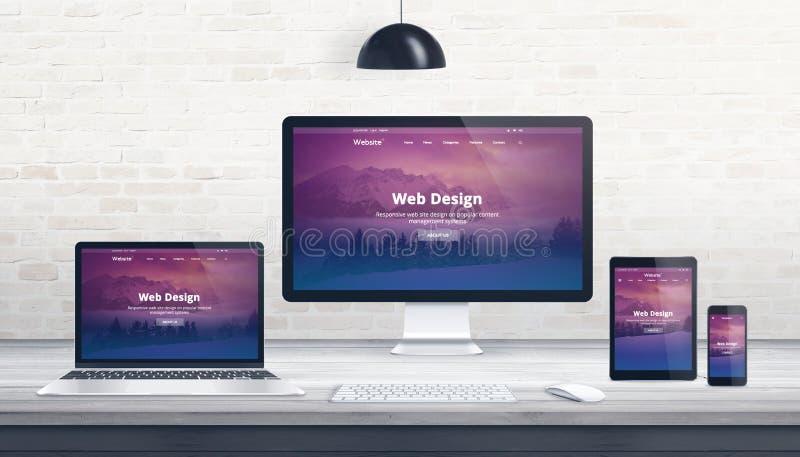 Conception web, concept de studio de promoteur avec la page Web sensible photos stock