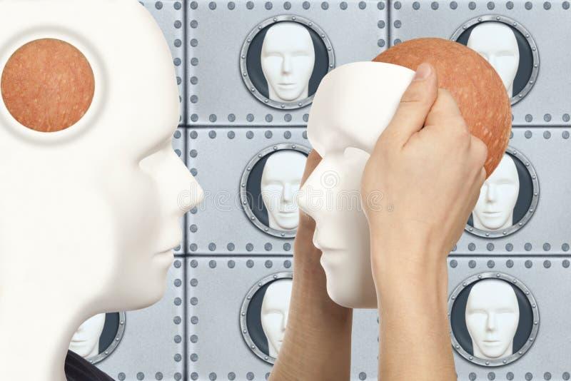 Concepto artificial del hombre - los controles androides del robot reproducen la cara blanca m imagenes de archivo
