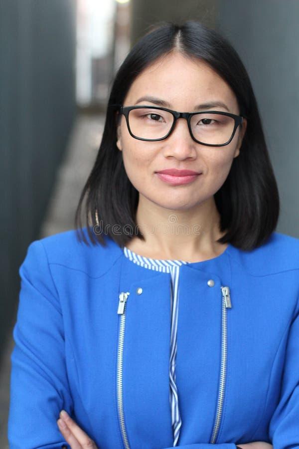 Concepto asiático de la mujer y del éxito fotografía de archivo libre de regalías
