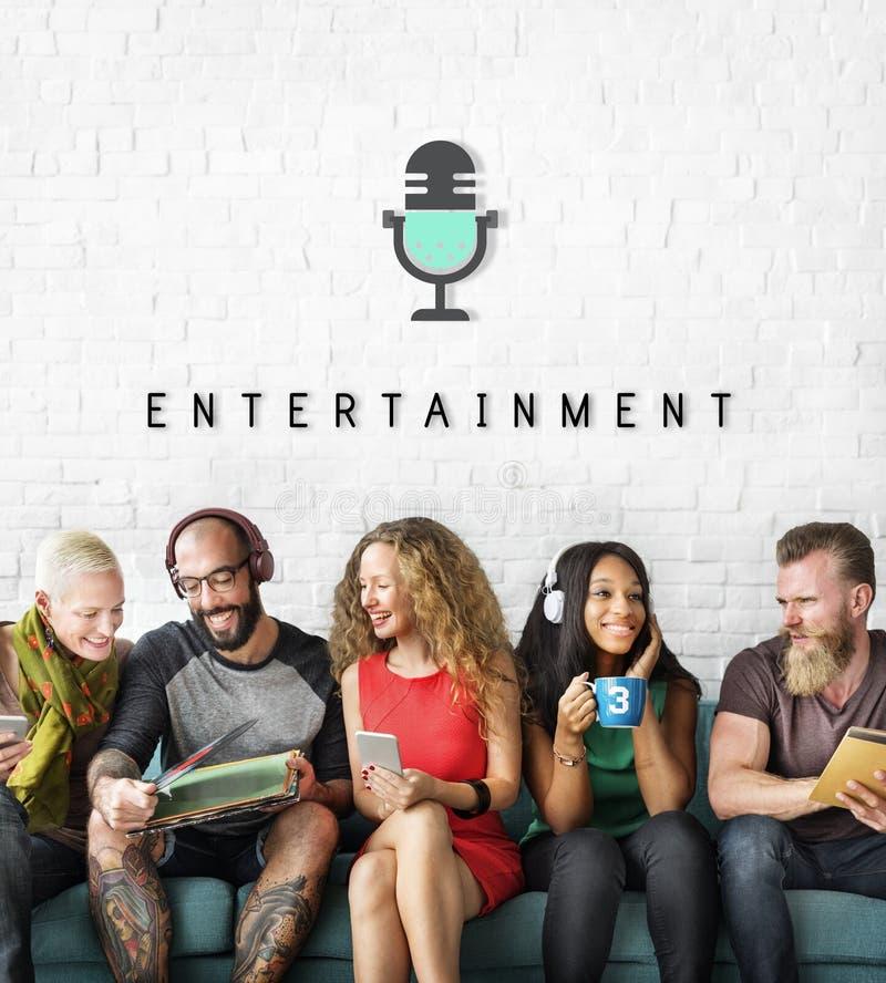 Concepto audio del gráfico del podcast de las multimedias del entretenimiento imagen de archivo