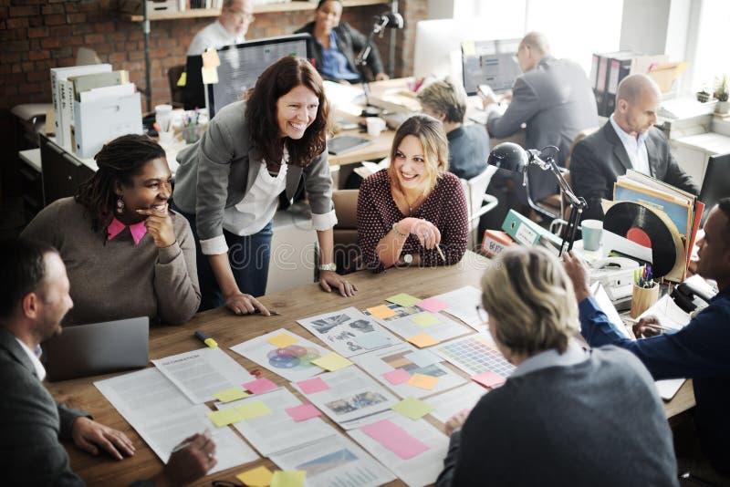 Concepto corporativo del trabajo en equipo del logro de la cooperación fotos de archivo libres de regalías
