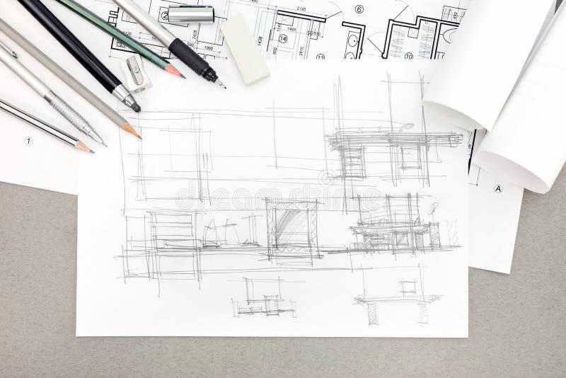 Concepto de bosquejo arquitectónico de la renovación casera con el dibujo también fotografía de archivo libre de regalías