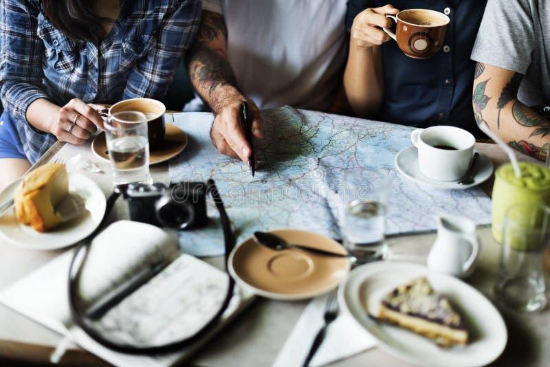 Concepto de consumición del café del grupo de personas fotografía de archivo