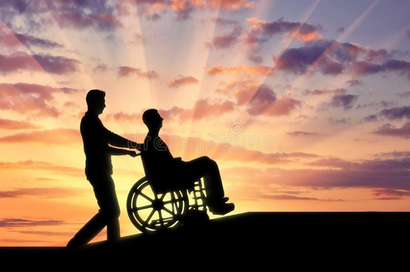 Concepto de cuidar para el discapacitado en la mudanza alrededor de la ciudad foto de archivo