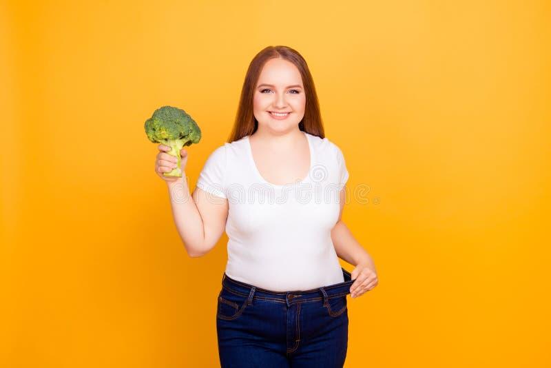 Concepto de dieta sana del cuidado del cuerpo de la consumición Retrato del cheerfu fotografía de archivo