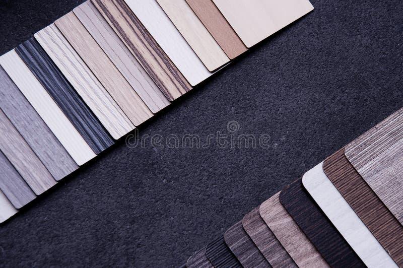 Concepto de diseño material interior Muestras de piso de madera de la textura de baldosa de la lamina y del vinilo 2 fotografía de archivo