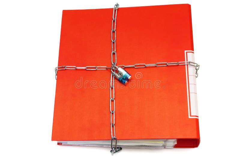 Concepto de documentos protegidos con la cadena y la carpeta de archivos imagen de archivo