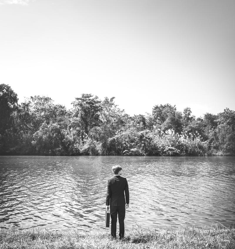 Concepto de Enterprise Environment Explore del hombre de negocios fotos de archivo