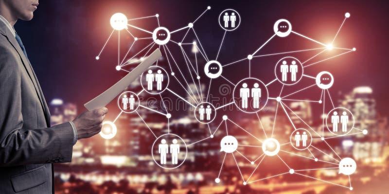 Concepto de establecimiento de una red moderno del negocio que conecta y coopera gente fotos de archivo