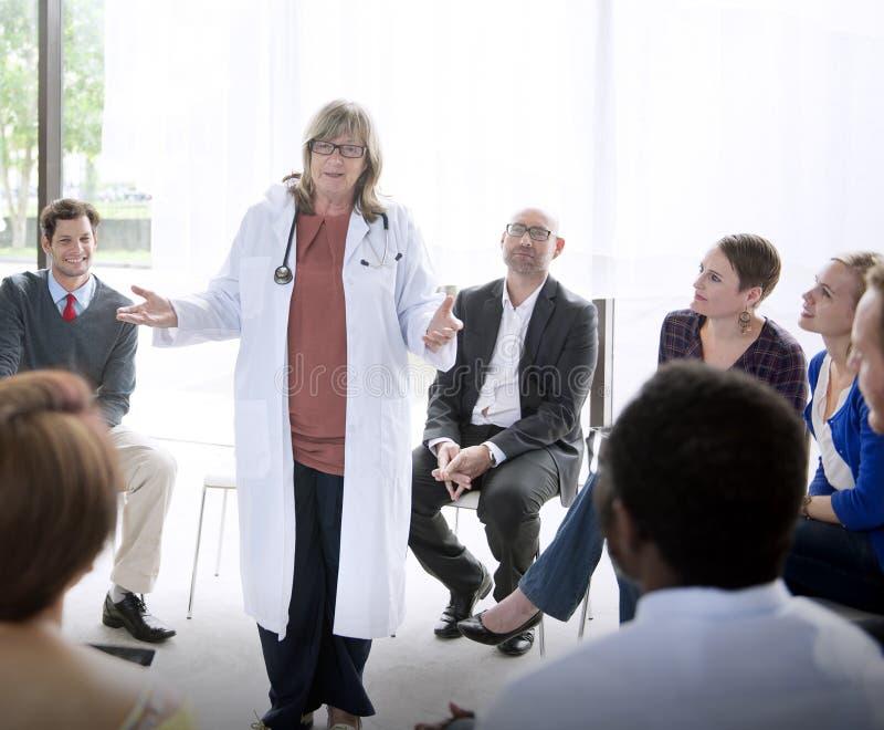 Concepto de la atención sanitaria del doctor Meeting Teamwork Diagnosis foto de archivo