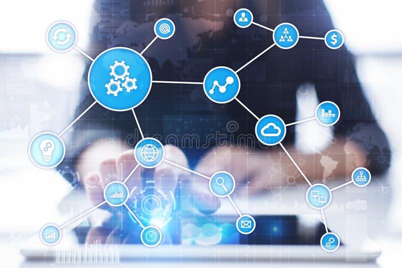 Concepto de la automatización como innovación, mejorando productividad, confiabilidad en tecnología y procesos de negocio foto de archivo