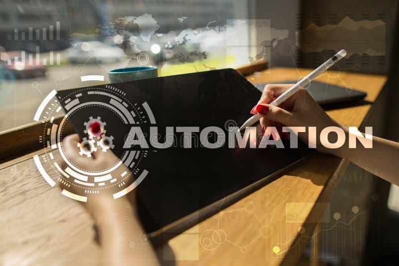 Concepto de la automatización como innovación, mejorando productividad, confiabilidad en tecnología y procesos de negocio fotografía de archivo