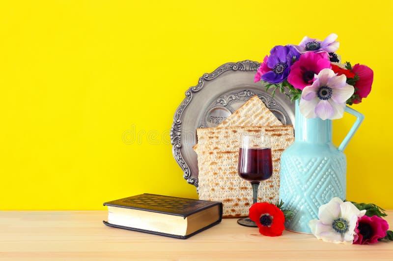 Concepto de la celebración de Pesah y x28; día de fiesta judío de la pascua judía foto de archivo