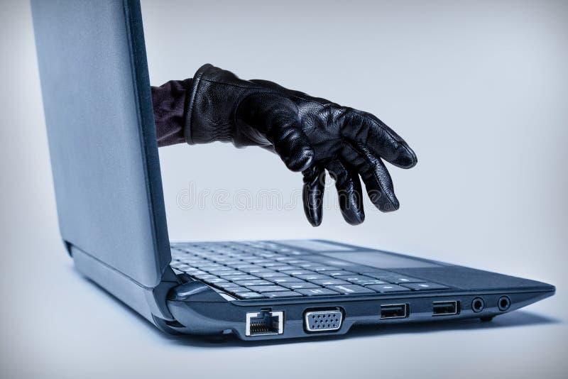 Concepto de la ciberdelincuencia fotografía de archivo