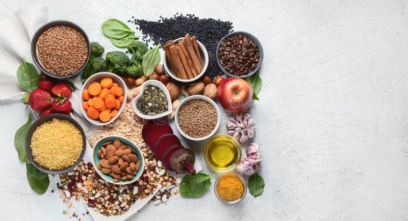 Concepto de la comida de la dieta del detox del hígado Comidas para el h?gado sano foto de archivo