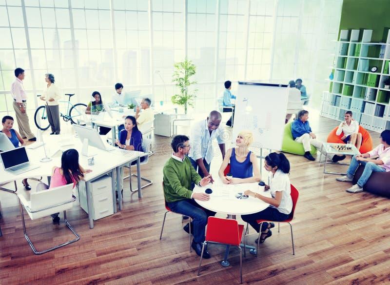 Concepto de la comunidad de la comunicación empresarial de la reunión de reflexión foto de archivo libre de regalías