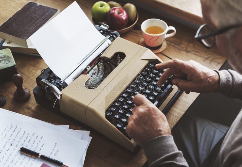 Concepto de la conexión de la comunicación de la correspondencia del correo de letra imagen de archivo libre de regalías