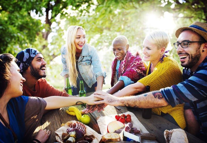 Concepto de la diversión de Team Friendship Leisure Vacation Togetherness fotografía de archivo