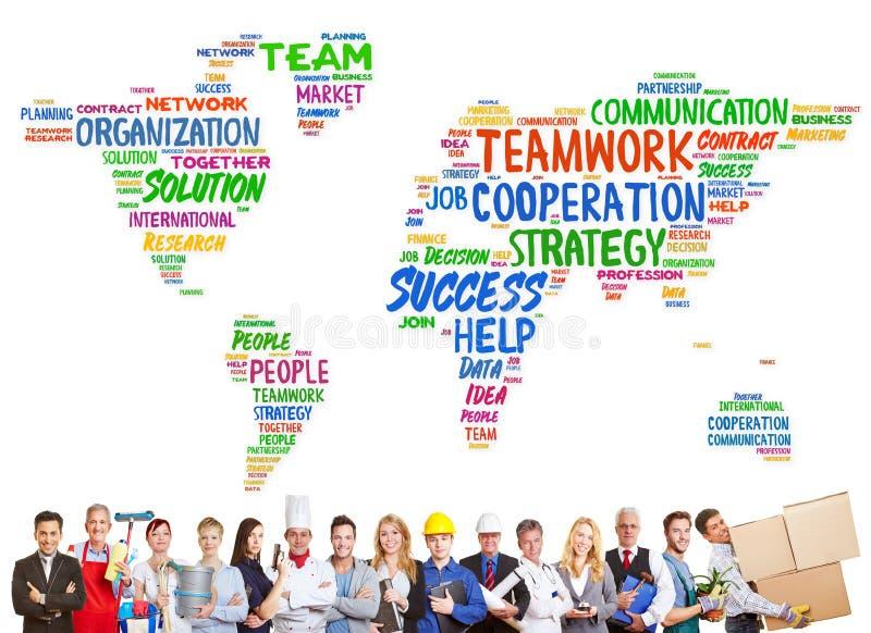 Concepto de la diversidad y del trabajo en equipo con diversas profesiones fotografía de archivo libre de regalías