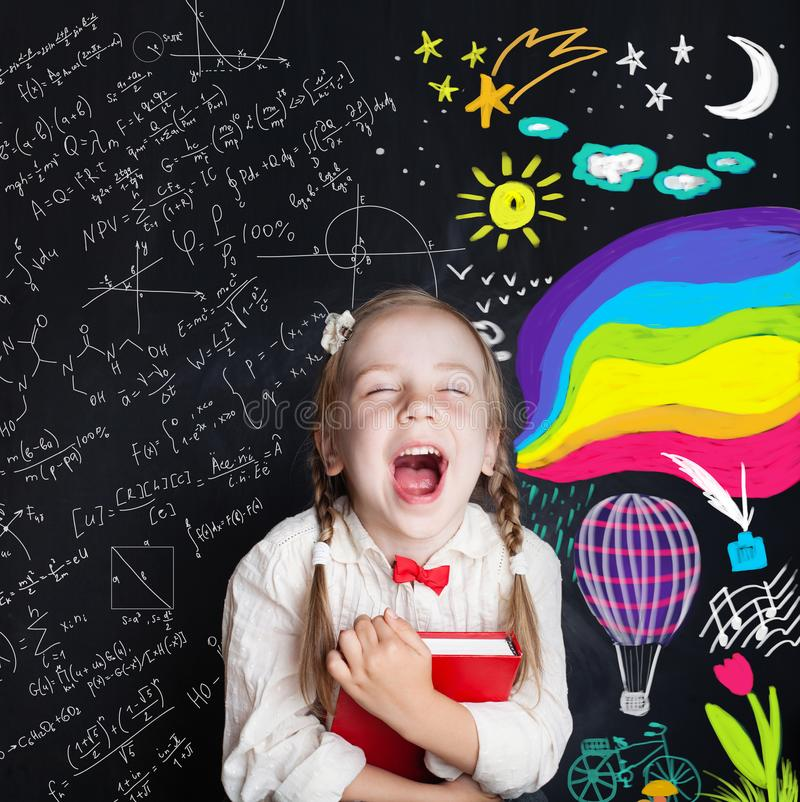 Concepto de la educación de la creatividad del niño Nuevas oportunidades fotografía de archivo