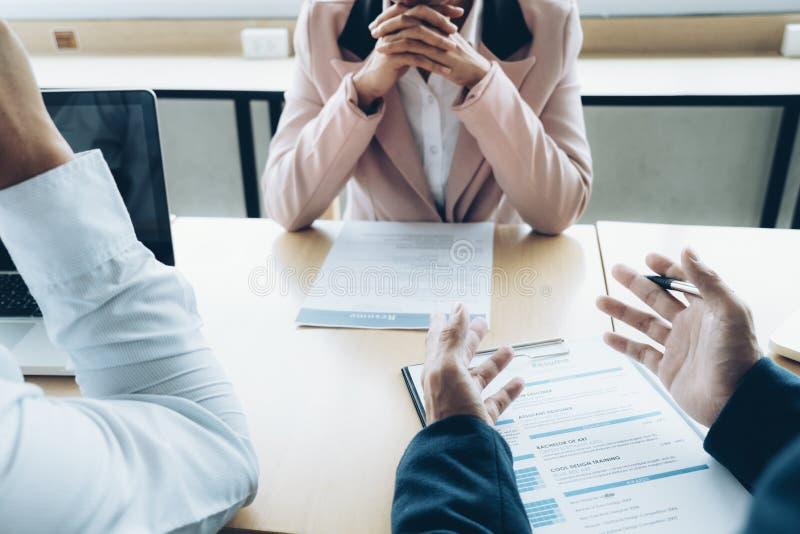 Concepto de la entrevista de trabajo de la situación de negocio El negocio encuentra nuevo trabajo imágenes de archivo libres de regalías