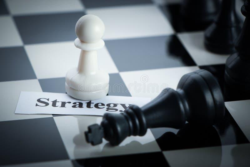 Concepto de la estrategia del ajedrez fotos de archivo