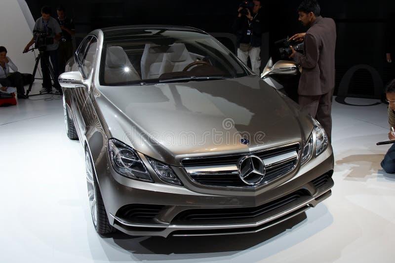 Concepto de la fascinación de Mercedes-Benz fotos de archivo