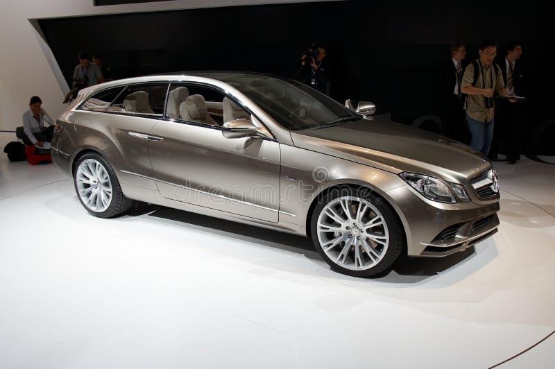 Concepto de la fascinación de Mercedes-Benz fotografía de archivo