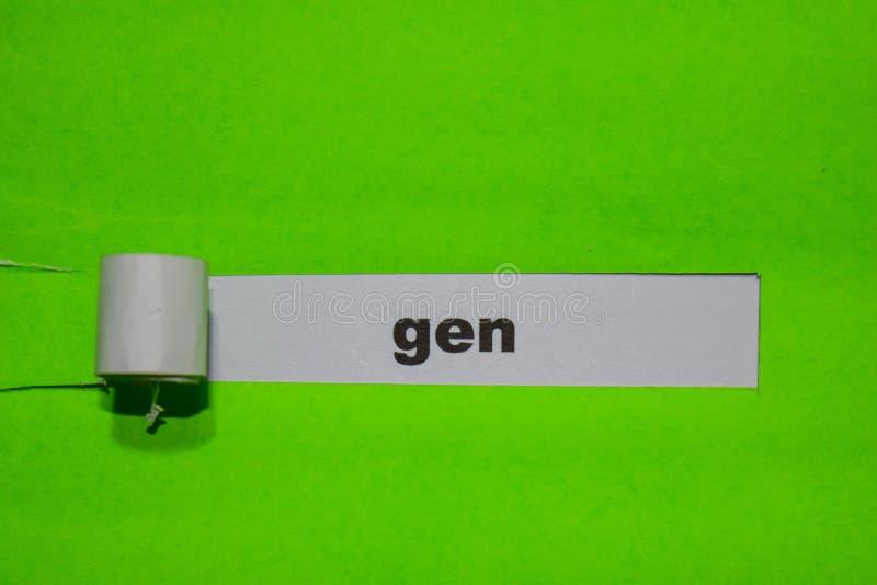 Concepto de la GEN, de la inspiración y del negocio en el papel rasgado verde imagen de archivo